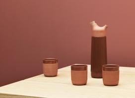 传统西班牙水容器启发设计的赤土陶器皿杯
