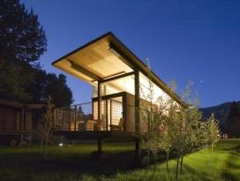 滚动小屋-坐落在华盛顿州的山谷草地,是野营的另一种方法,这些小屋是传统露营的现代替代品,为客人提供舒适的旅馆,有美丽的风景和安静的露营环境。
