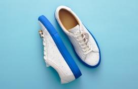 koio推出限量版牛皮革鞋面运动鞋-灵感来自他的艺术手工艺品签名