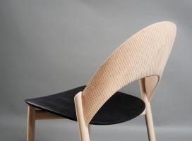 在你坐下时会拥抱你的实木桑纳餐椅