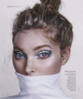 https://www.2008php.com/艾尔莎・霍斯卡-闪亮眼影以及蓝色唇膏,凌乱的发型,大胆的妆容