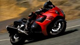 高清晰红色铃木hayabusa摩托车壁纸