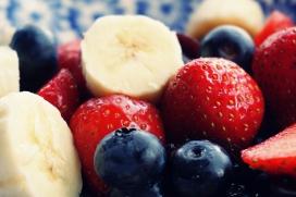 高清晰黑莓草莓切片香蕉壁纸