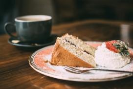 高清晰热咖啡与草莓水果蛋糕早餐壁纸