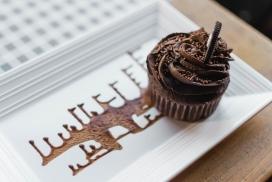 高清晰艺术黑色巧克力蛋糕壁纸