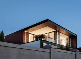 Preston House-澳大利亚悉尼一个充满光线的室内/室外住宅