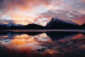 高清晰山湖晚霞美景