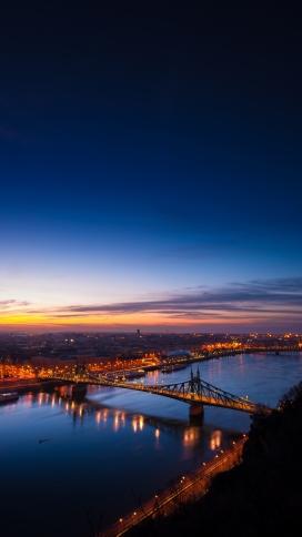 高清晰吊索桥夜景手机端壁纸