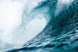 高清晰大海卷浪写真壁纸