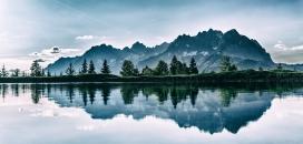 镜子湖美景壁纸