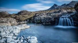 小山湖瀑布