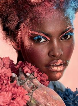 色彩饱和的淋浴-Harper Bazaar阿尔比利亚-阿米尔娜・埃斯特沃伊