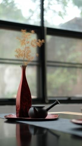 高清晰干枝盆景与茶壶