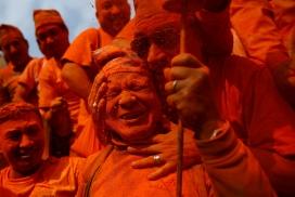 红色黎明-尼泊尔狂欢节