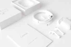 高清晰苹果AirPods蓝牙耳机包装设计