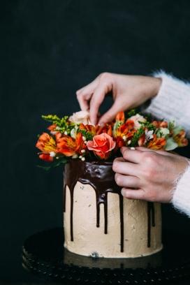 巧克力花卉蛋糕
