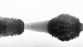 湖岛黑白风景