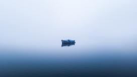 湖中的小船
