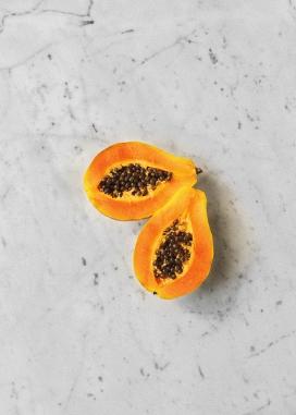 被切开的木瓜