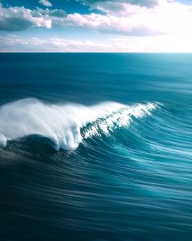 蓝色大卷浪