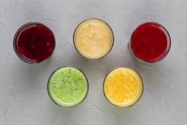 五彩的果汁