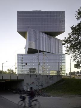 https://www.2008php.com/荷兰阿姆斯特丹叠加在一起的RAI NHOW酒店