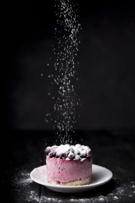 糖粉水果蛋糕