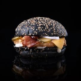 夹层培根黑色汉堡包