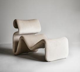 重新起步并走向未来的Etcetera弯曲椅子