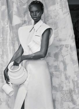 """玛丽·克莱尔澳大利亚-以""""空白画布""""的缪斯艺术风格创作"""