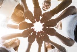 团结在一起拼手势的图片