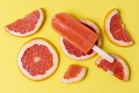 红柚水果片与冰棒