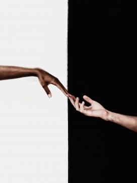 连接您我的手
