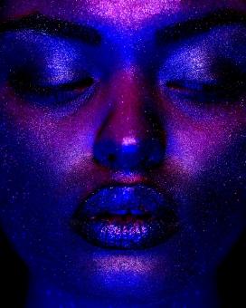 COSMOS-紫色荧光彩人像