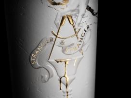 Stranger-质感金箔酒瓶外包装设计