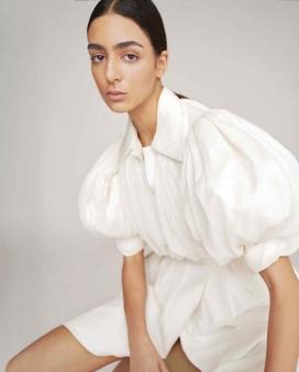 """诺拉·阿塔尔-现代白色""""时尚新视界""""奢侈品时装秀"""