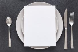 摆放整齐的西餐餐具