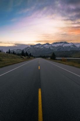 日暮下的壁纸公路