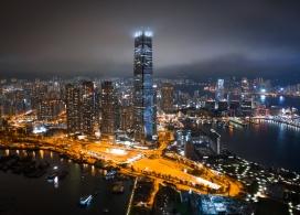 摩天高楼城市夜景图