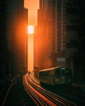 轻轨巴士的日落美景
