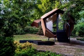 几何玻璃家庭工作站机舱办公室