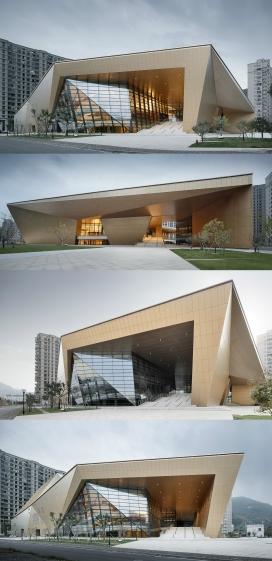 13968平米的三门剧院建筑