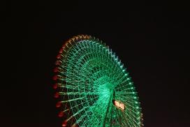 摩天轮绿色光夜景