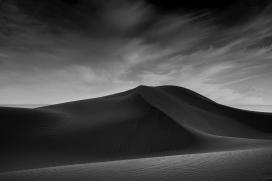 印尼沙漠黑白艺术图片