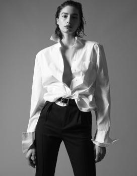 亚历山德拉·阿格斯顿-《 Vogue》杂志阿拉伯版