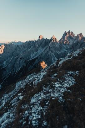 大山的日出