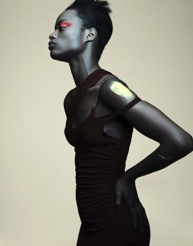 马约瓦·尼古拉斯-Vogue